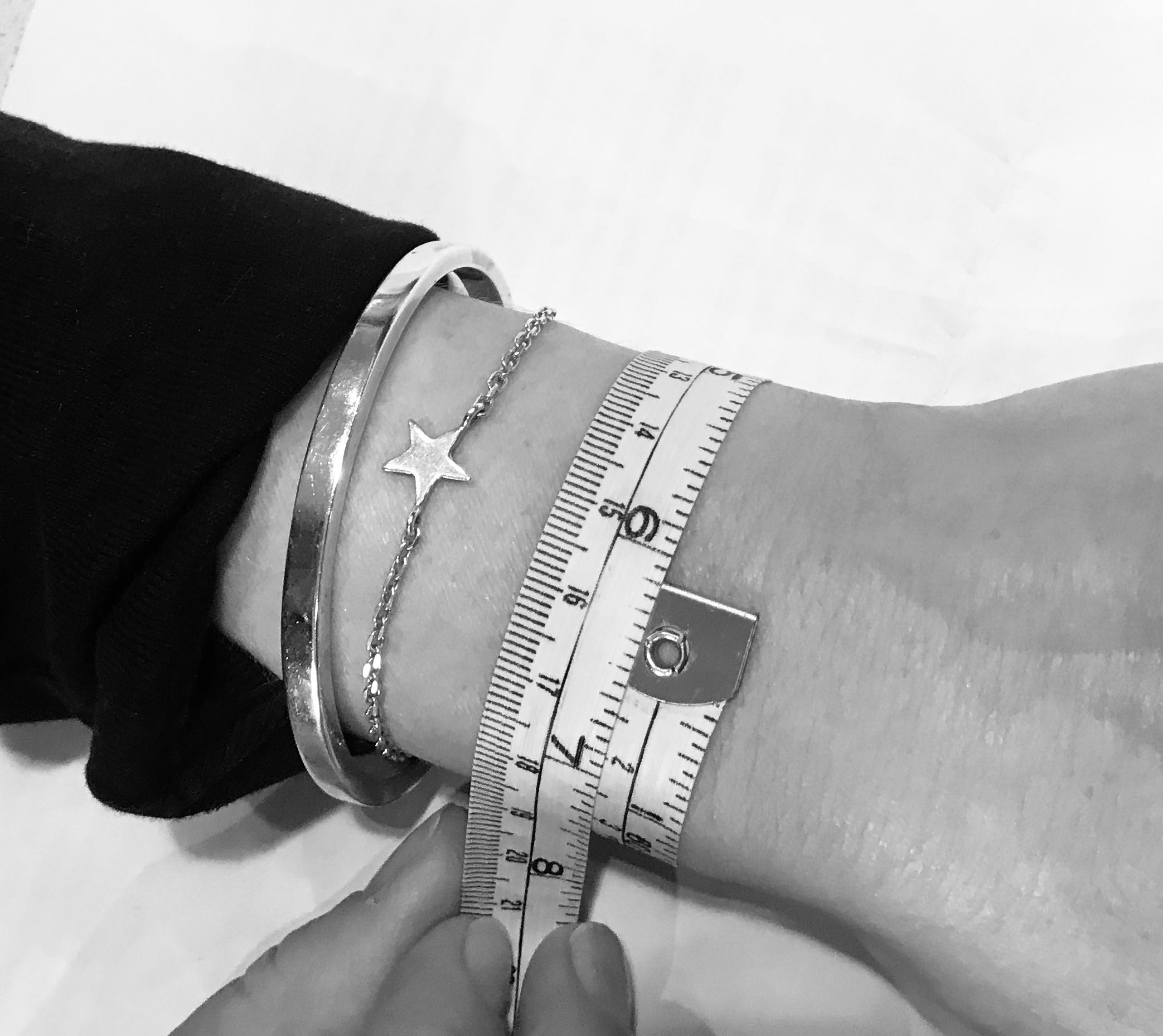 Measure size for bracelet
